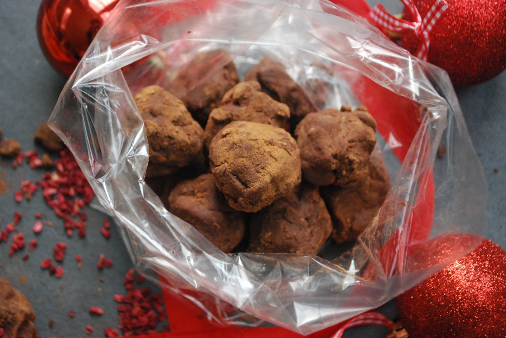 Chocolate truffles - healthy Christmas recipes