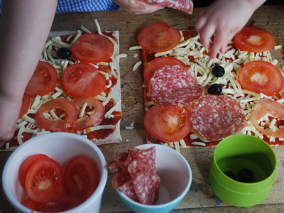 Mozzarella, Salami and Olive Pizza - prep